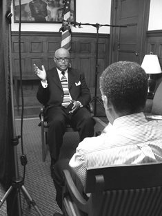 Kenneth E. Reeves, facing front, discusses his trailblazing role as a student at Harvard College and later as the first African-American mayor of Cambridge, Massachusetts. (Photo Courtesy of The HistoryMakers Collection at the Library of Congress)